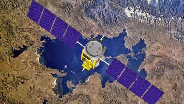 China lanza su primer satélite de comunicaciones para móvil