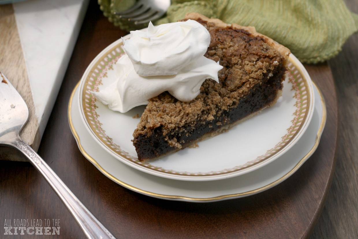 Shoofly Pie inspired by Pies and Prejudice | #FridayPieDay