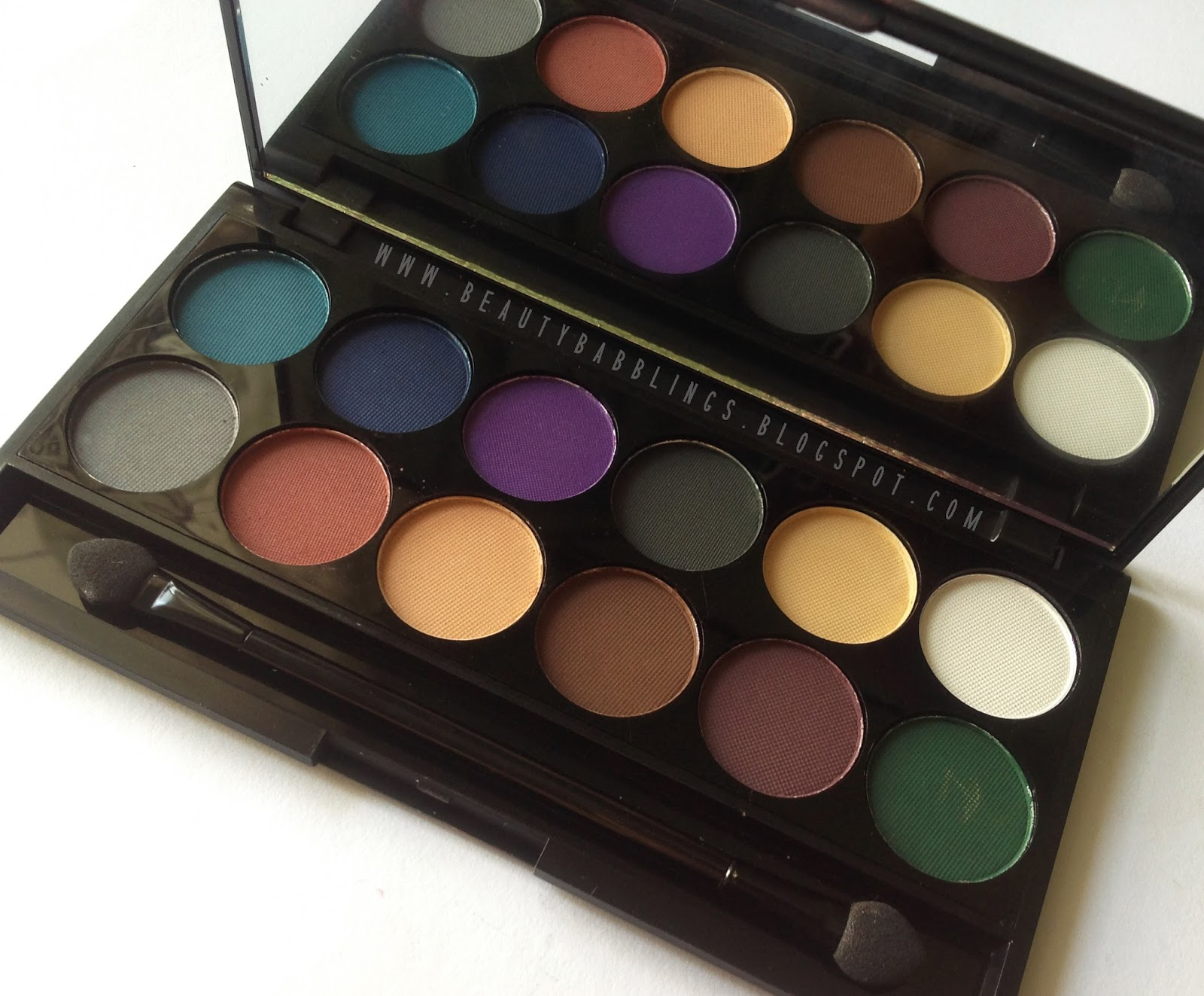 Sleek i-Divine Ultra Mattes V2 Darks Palette Review and Swatches