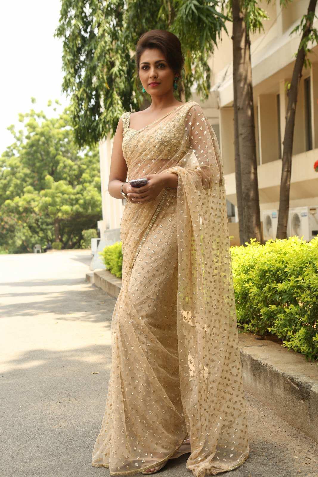 Rashi Khanna Latest Photos in Maroon Dress