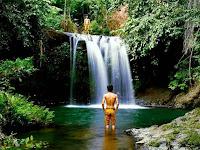 Pesona Air Terjun Seganing Nusa penida Bali