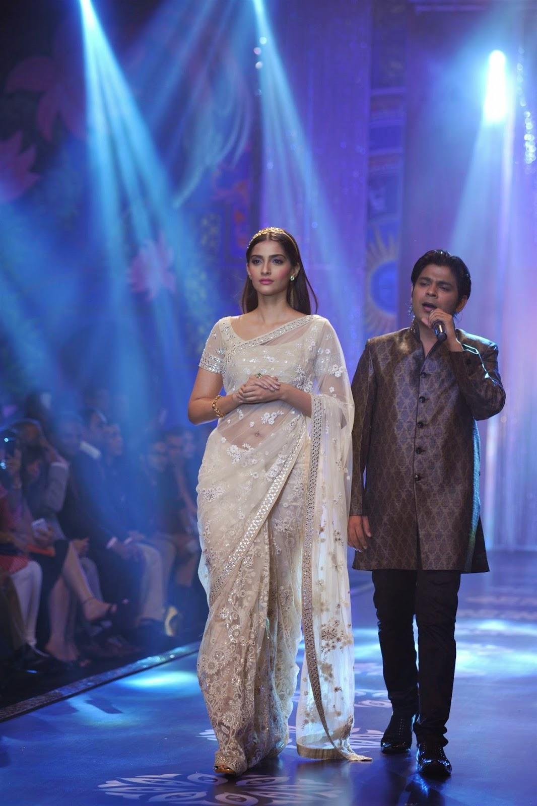 Hot Photos Sonam Kapoor In Transparent White Saree
