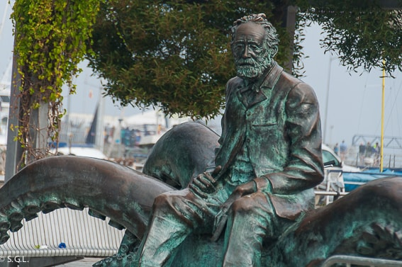 Monumento a Julio Verne en Vigo. Galicia