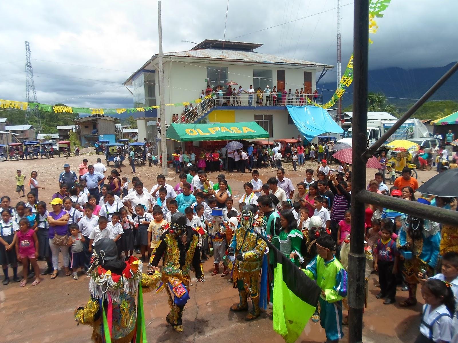 b4b602ca85 ... el candidato de Todos Somos Ucayali Luis Maguiña Paredes quien recibió  un contundente respaldo de este importante sector. en tal sentido los  pobladores ...
