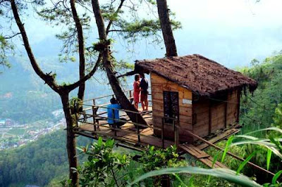 Wisata Omah Kayu batu Malang