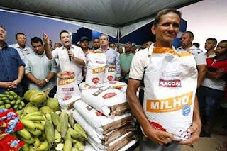 Governador Renan filho  faz entrega de sementes  em matriz  e anuncia  investimentos para região norte do estado.
