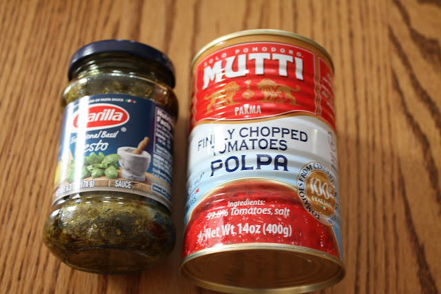 Barilla Basil Pesto and Mutti Polpa sauces made from my Degustabox
