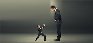 Oι κοντοί άνθρωποι θυμώνουν πιο εύκολα και είναι πιο βίαιοι από τους ψηλούς