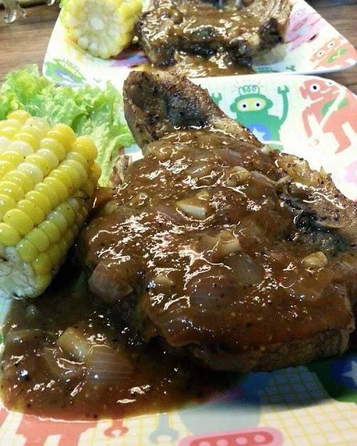 Sos lada hitam makan dengan Lamb chop..Memang Menjadi