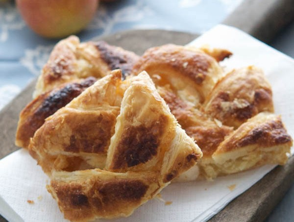 Easy-Pear-Cranberry-Danish-on-Puff-Pastry-Everyday-Southwest
