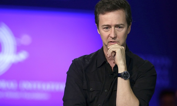 Edward Norton Helps Raise Nearly $400,000 for Syrian Refugees