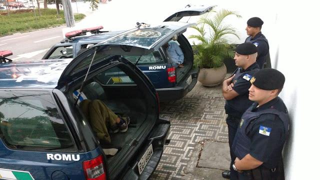 ROMU de Santo André detém meliantes minutos após praticarem roubo a transeunte no bairro Jardim