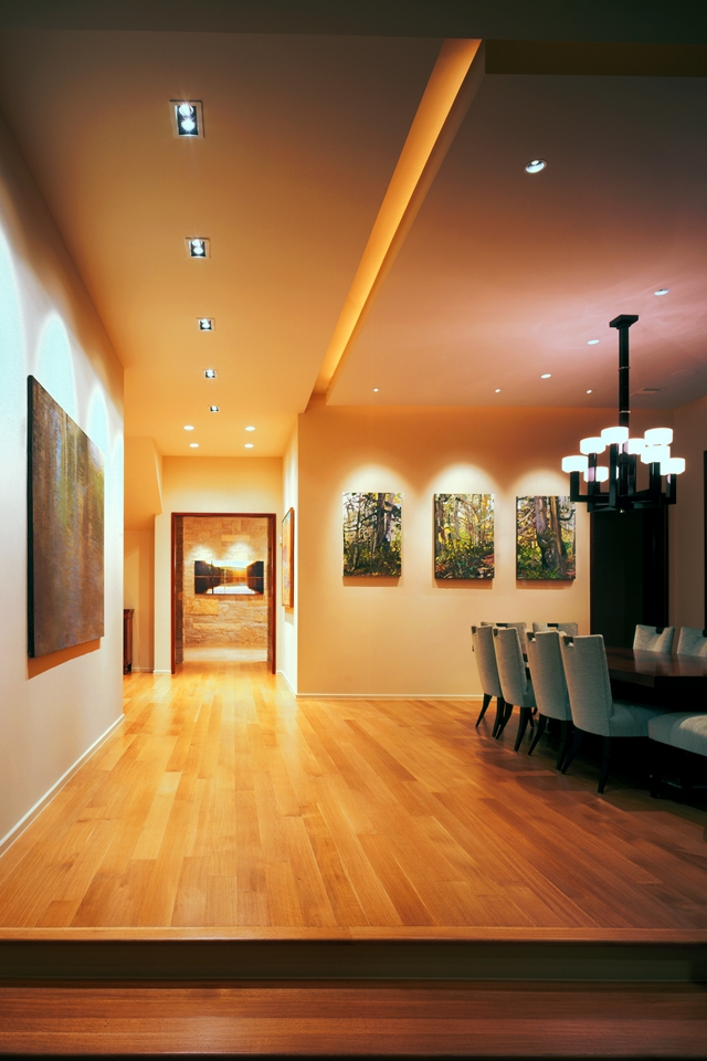 Picture of the hallway with wooden floor