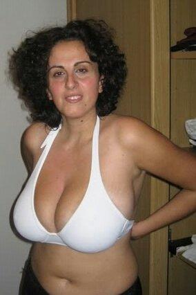 tumblr wife cleavage