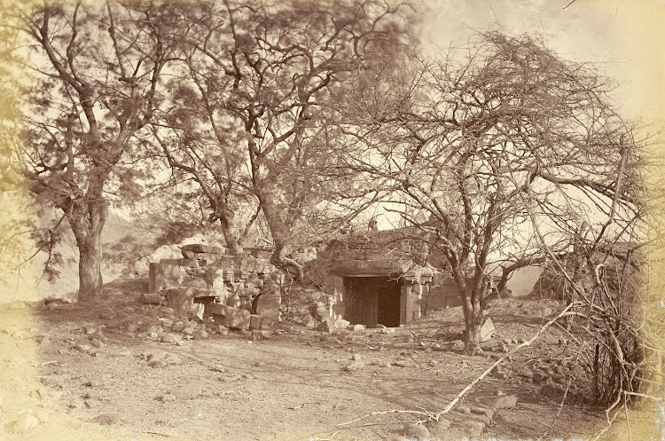 Ruined Hindu temple at Patan, Khandesh District, Maharashtra - c1885