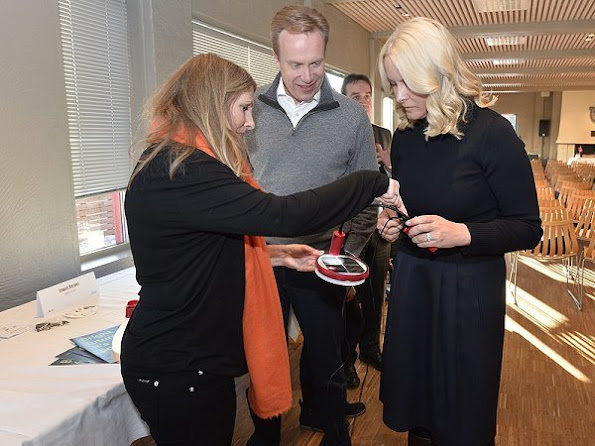 Crown Princess Mette-Marit attended the signing ceremony that is between UN Women and Innovation Norway. Princess wore Valentino drees and Prada ruffle Coat