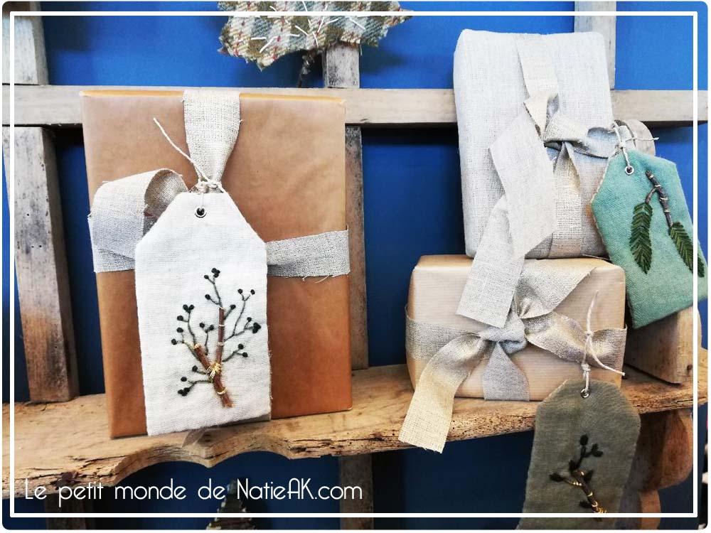 étiquette brodée pour décorer les cadeaux de Noël