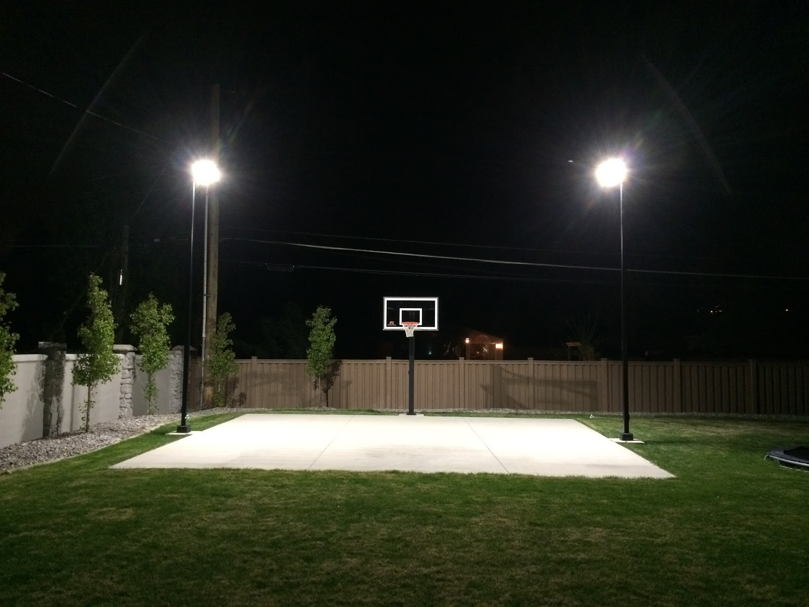 Dbunk Backyard Basketball Court Lighting