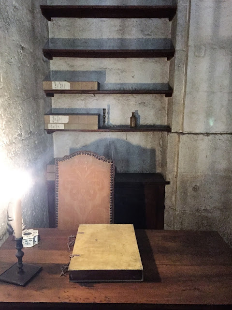 Conciergerie Prison, Notes from France - In the Footsteps of Marie-Antoinette, photo by modernbricabrac