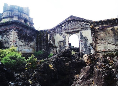 Ruins of San Juan Paranguricutiro Church close to the Paricutin Volcano