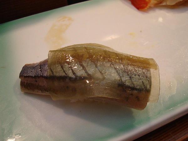 101 เมนูซูชิ ซูชิหน้าปลาซันมะ (Sanma)