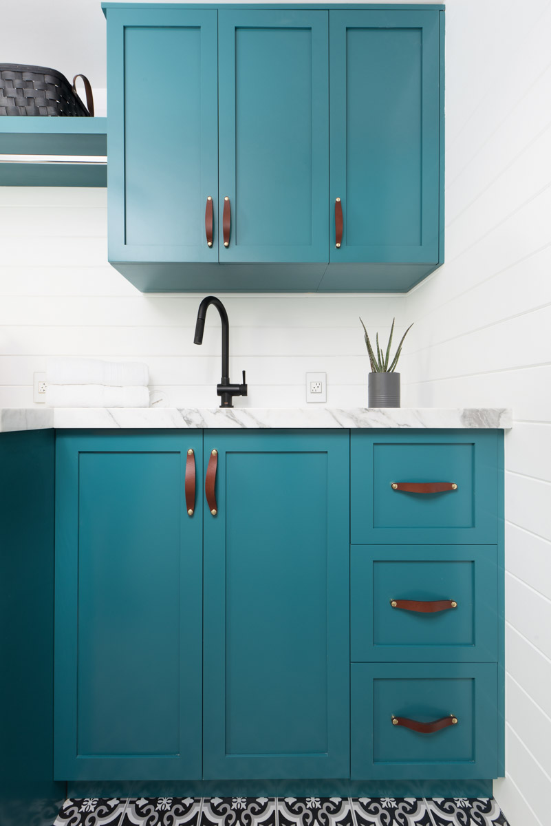 Live Laugh Decorate: A Laundry Room That\'ll Make You Teal With Envy