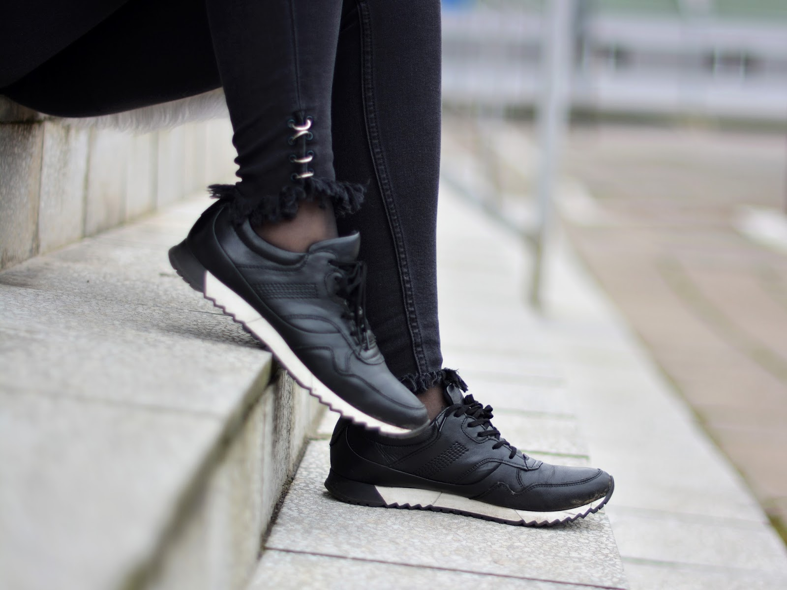 czarne adidasy