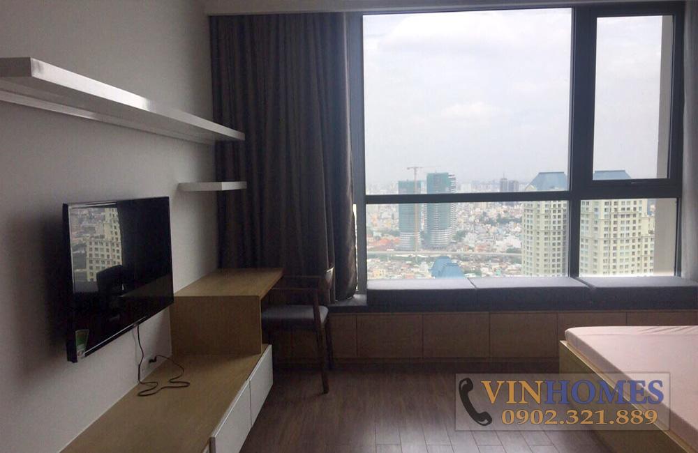 Bán căn hộ 3PN tòa nhà The Central 3 - phòng ngủ có cửa kính lớn