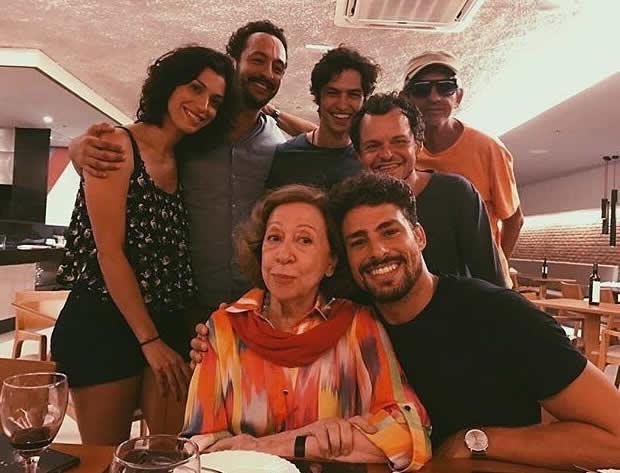 Matheus Nachtergaele e Cauã Reymond protagonizam cena de sexo no cinema