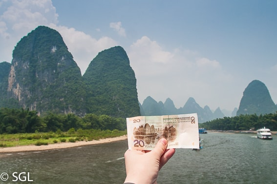 Paisaje rio Li en billete 20 Yuanes. China. Guilin
