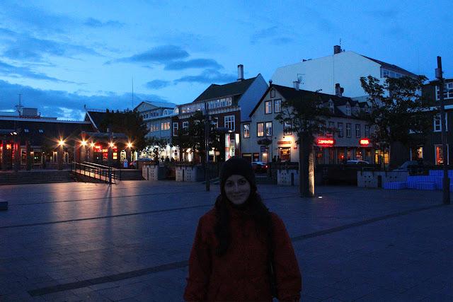 Calles de Reikiavik de noche