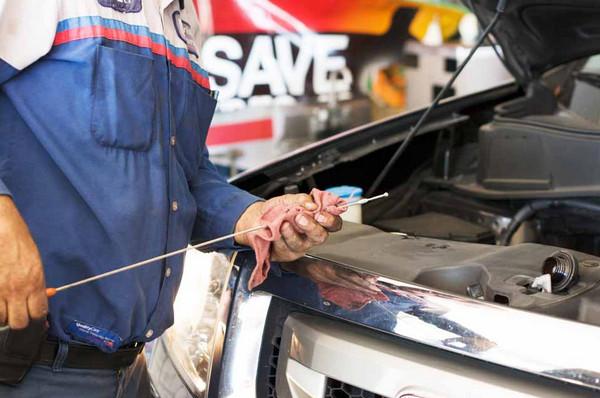 Resiko Telat Ganti Oli Mesin Mobil Itu Bahaya Resiko Telat Ganti Oli Mesin Mobil Itu Bahaya Bro!