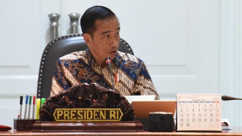 Presiden Jokowi saat memimpin rapat kabinet