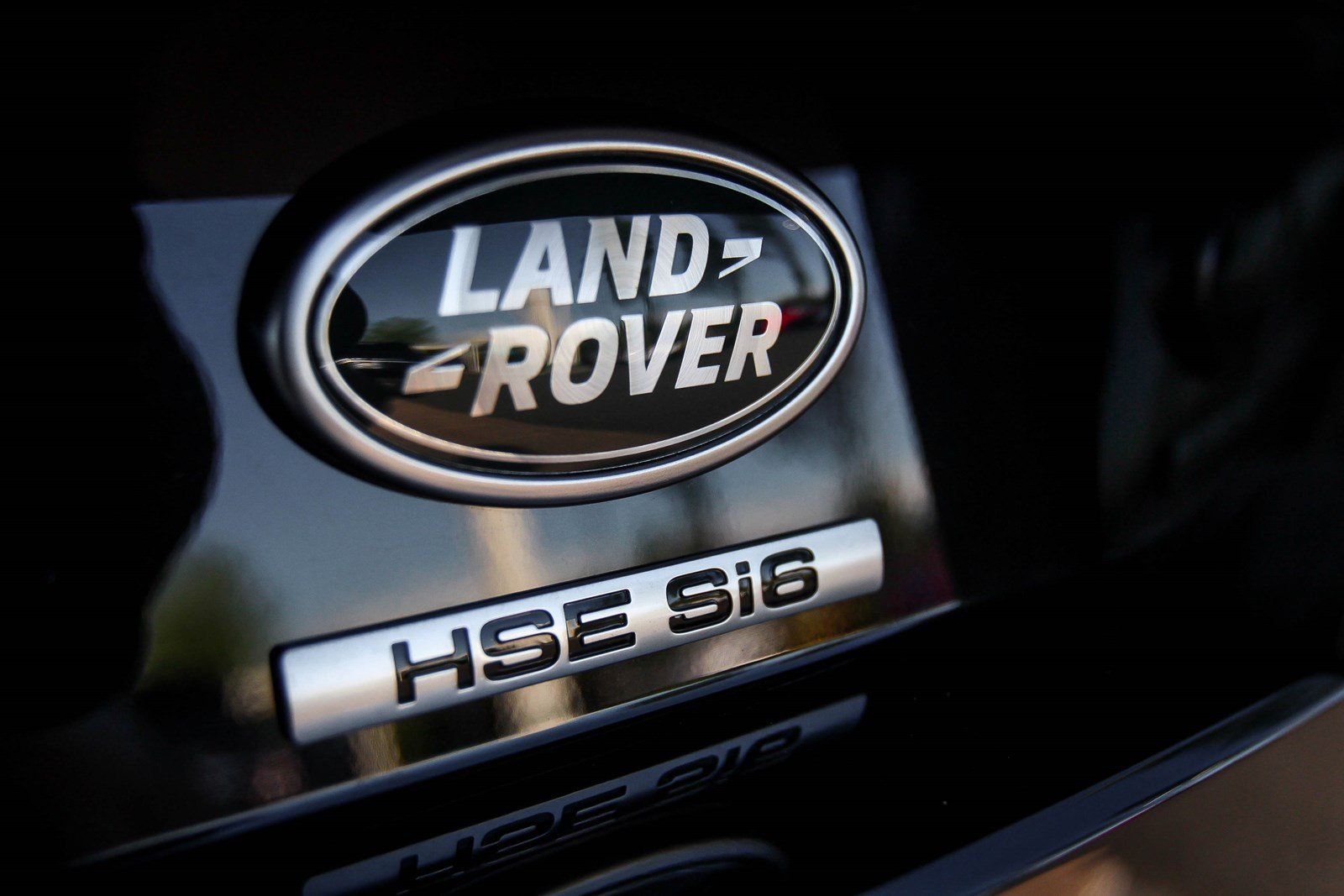 Land rover discovery hse si6 màu đen