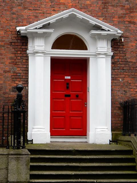 Puertas de colores en Dublin en Irlanda del Sur