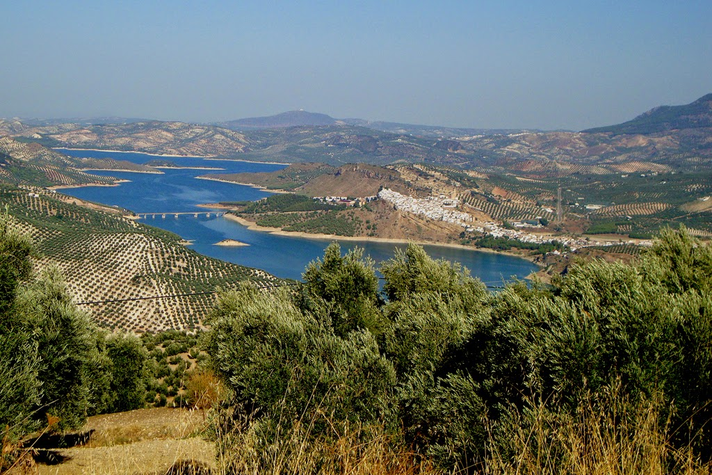 Andalucian lake scenery is beautiful to cycle