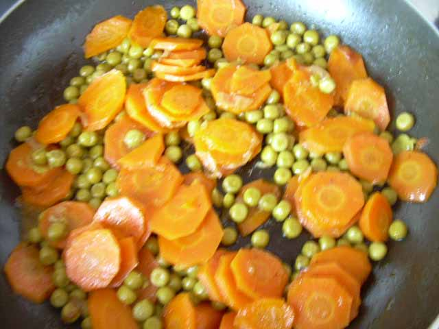 Nella cucina di teresa piselli e carote in umido - Nella cucina di teresa ...