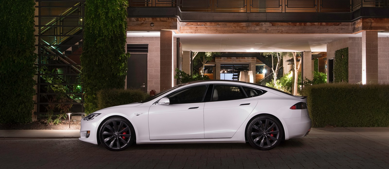 tesla to drop model s 75 rwd before year 39 s end. Black Bedroom Furniture Sets. Home Design Ideas