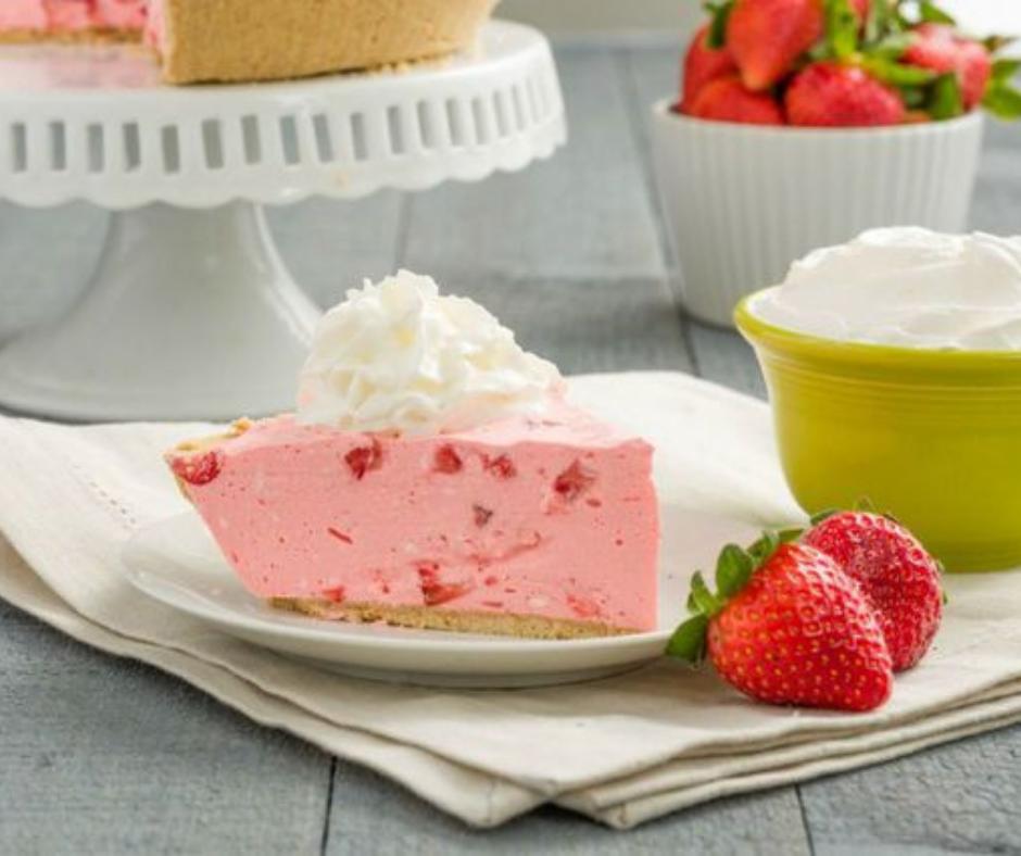 Strawberry Milkshake Pie - food-drink-recipes.com