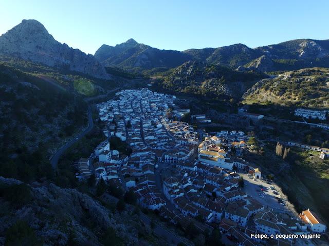 sobrevoando Grazalema, no sul da Espanha