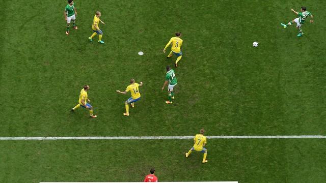 Irlanda faz contra no final e deixa Suécia sonhar com vaga