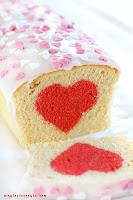 Walentynkowe ciasto piaskowe z sercem