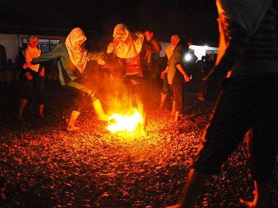 Sepak Bola Api Meriahkan #HariSantri di Kota Semarang