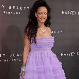 Rihanna wants to marry Victoria Beckham
