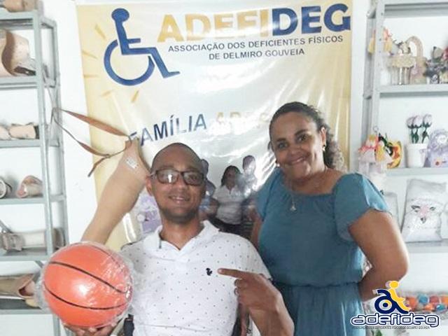 Adefideg recebe doação e pretende implantar prática do basquete em cadeiras de rodas