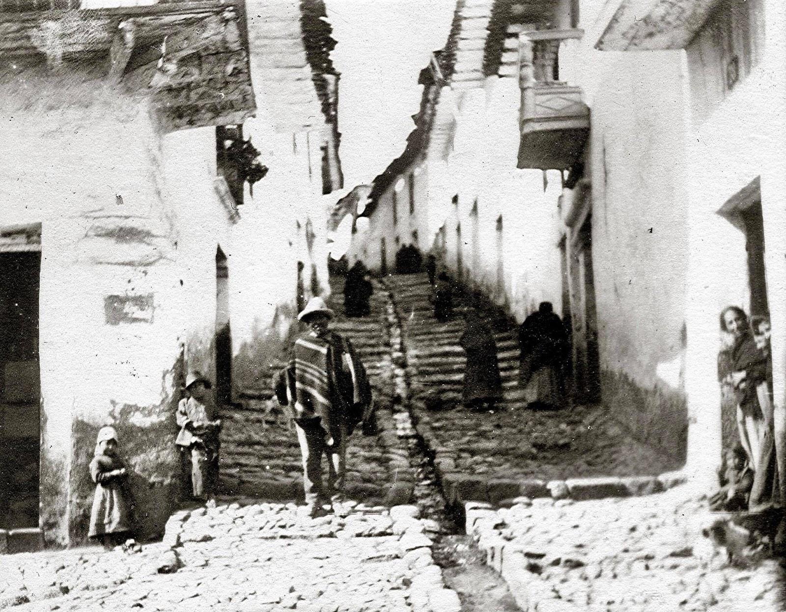 Calle empedrada de la cuesta de San Blas en Cusco