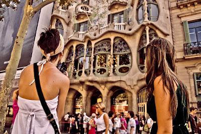Mass tourism can kill a city - PAU 2015 Andalucía resuelto