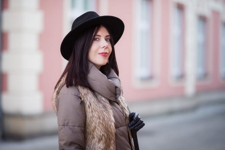 zimowy-portret-w-kapeluszu