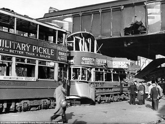 24 October 1940 worldwartwo.filminspector.com London Blitz Blackfriars Road