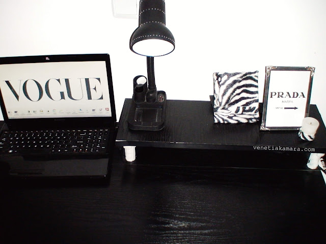 black white office decor